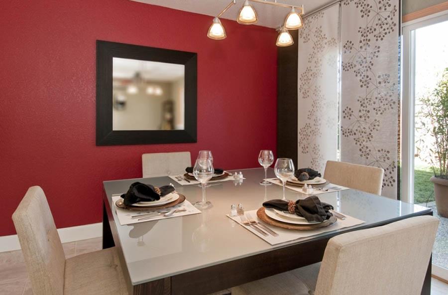 tavolo-da-pranzo-moderno-lecce